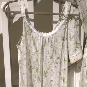 Oscar de la Renta Intimates & Sleepwear - Oscar de la renta long night gown with robe